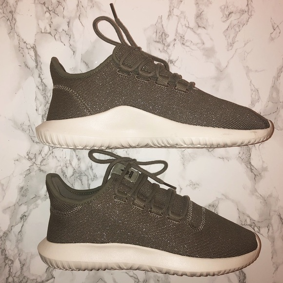 best authentic d17c5 8aa05 NWOT SPARKLY ✨ Olive Green Adidas Tubular Shadow!